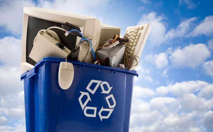 Computer equipment in a recycling bin