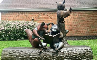 Reading with Friends sculpture